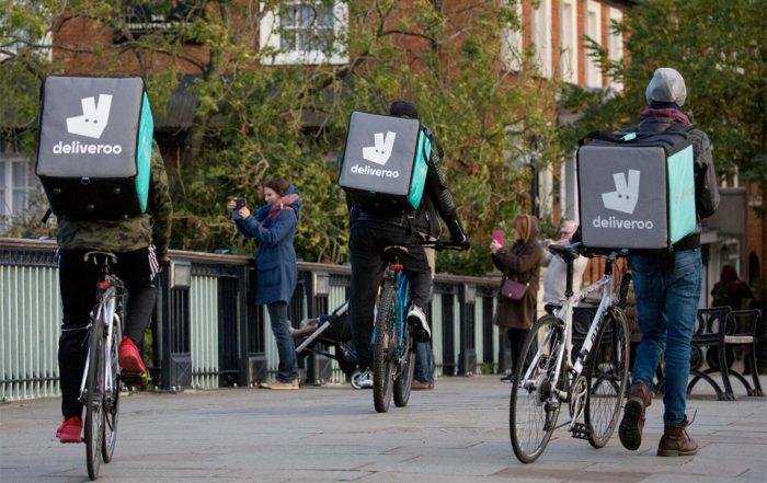 Riders de Deliveroo con bicicletas